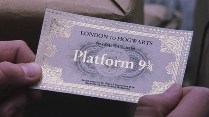 VIDEO: Aficionado de 'Harry Potter' intenta atravesar una pared en Londres