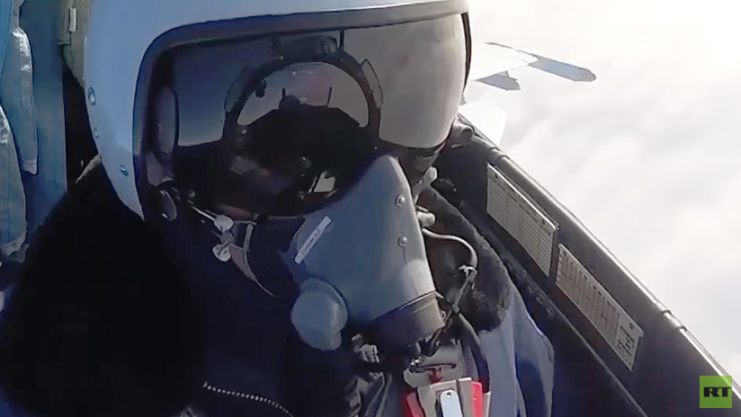 MiG-29SMT atacando a cazas 'hostiles': Combate aéreo a vista de piloto (VIDEO)