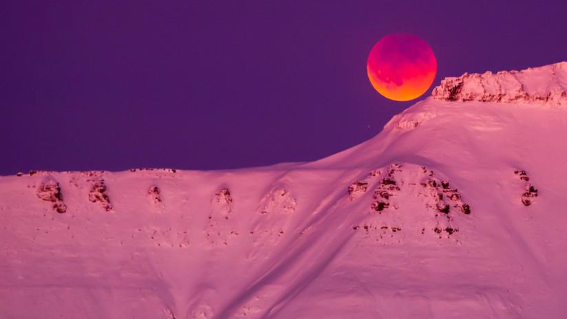 FOTOS: La superluna azul de sangre encandila al mundo con su belleza mística