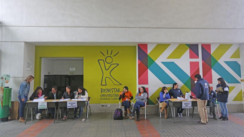 Votaciones en un colegio de Bogotá durante las elecciones presidenciales de mayo de 2014.