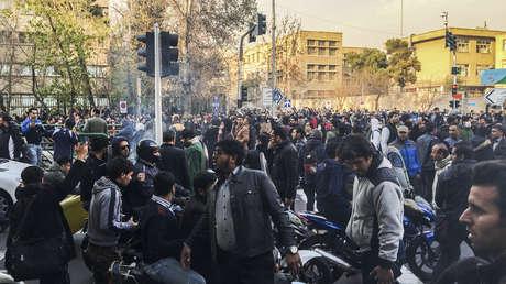 Una concentración multitudinaria en Teherán
