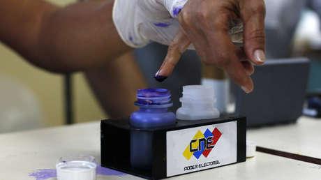Los venezolanos deberán acudir a las urnas electorales para escoger al presidente del país en 2018.