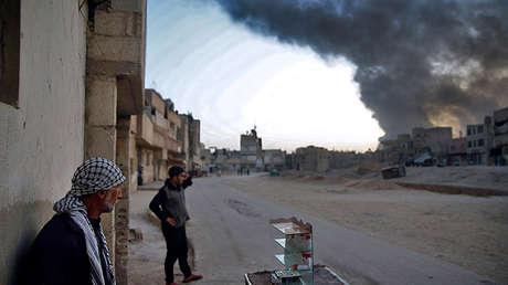 Residentes locales en Guta, Siria, el 14 de noviembre de 2017.