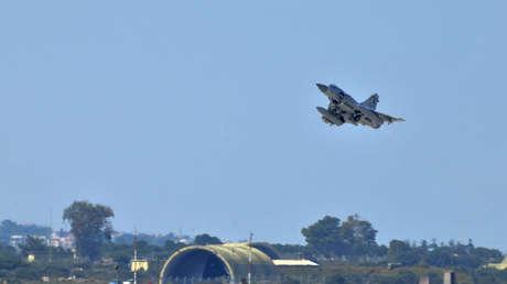 El caza Dassault Mirage 2000-5 de la Fuerza Aérea catarí en unos ensayos en Grecia, el 25 de marzo del 2011.