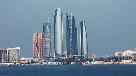 Panorámica de las torres Etihad en Abu Dhabi (Emiratos Árabes Unidos).