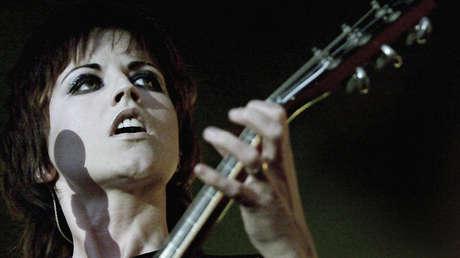 Dolores O'Riordan, vocalista de la famosa banda irlandesa The Cranberries.