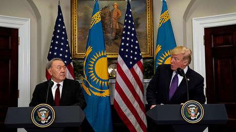 Una rueda de prensa conjunta de Donald Trump con el presidente de Kazajistán Nursultán Nazarbáyev.