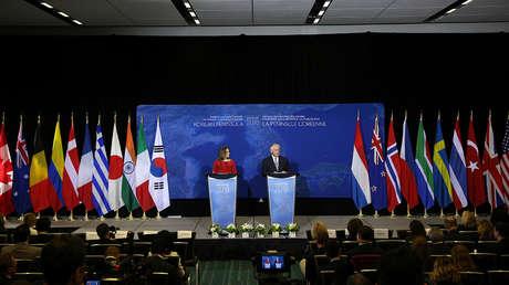 El secretario de Estado de EE.UU., Rex Tillerson, y la ministra de Exteriores de Canadá, Chrystia Freeland, en una conferencia de prensa conjunta. Vancouver, Canadá, el 16 de enero de 2018.