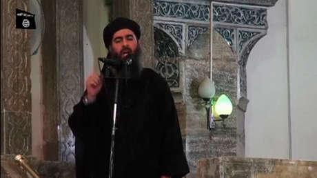 El presunto Abu Bakr Al Baghdadi, líder del Estado Islámico, en un discurso grabado publicado el 5 de julio de 2014.