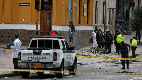 Policía en Bogotá investiga una explosión, 19 de febrero de 2017.
