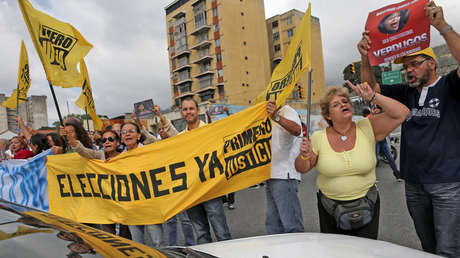 Opositores durante una protesta contra Nicolás Maduro en Caracas, Venezuela, el 9 de febrero de 2017.