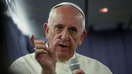 El papa Francisco en una rueda de prensa durante su vuelo de regreso a Roma tras su visita a Chile y Perú, el 22 de enero de 2018.