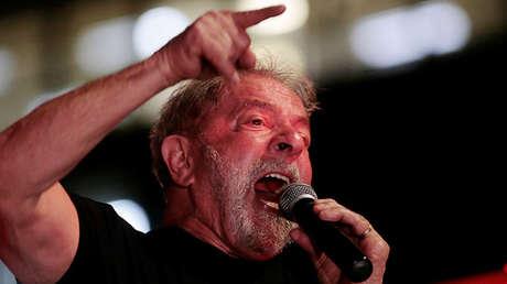 Expresidente de Brasil, Lula da Silva, dando un discurso luego del juicio en su contra el 24 de enero de 2018.