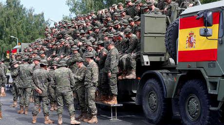 Soldados españoles desplegados en la misión de la OTAN en la base militar de Adazi (Letonia). Julio de 2017.