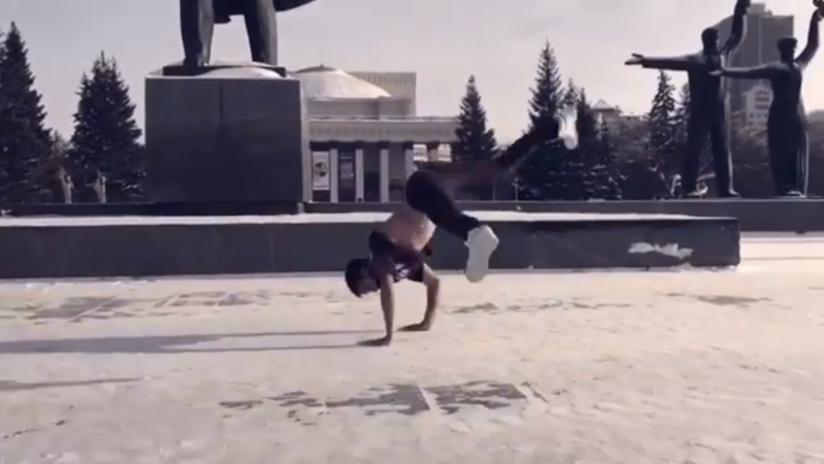 Video impresionante: 'Breakdancers' rusos desafían el invierno bailando a-29°C