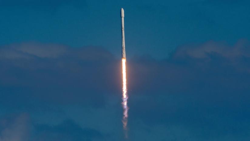 FOTO: SpaceX quería 'hundir' el Falcon 9, pero este prefirió flotar