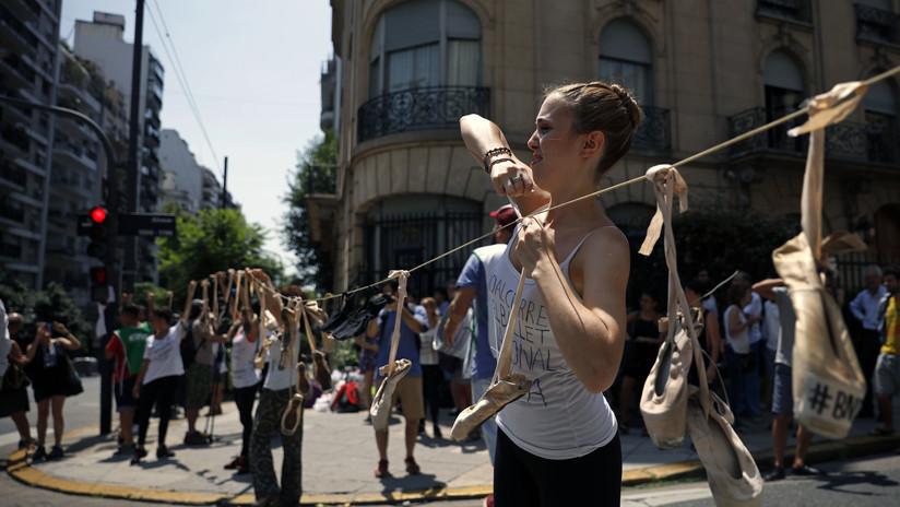 Bailarines argentinos protestan por el cierre del Ballet Nacional de Danza (VIDEO, FOTO)