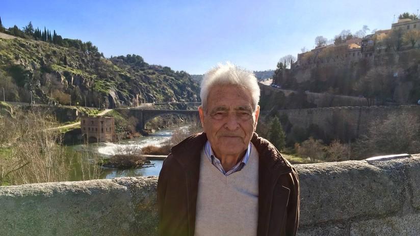 España: Así es Manuel Arias, el tuitero de 90 años que continúa su lucha izquierdista en la red
