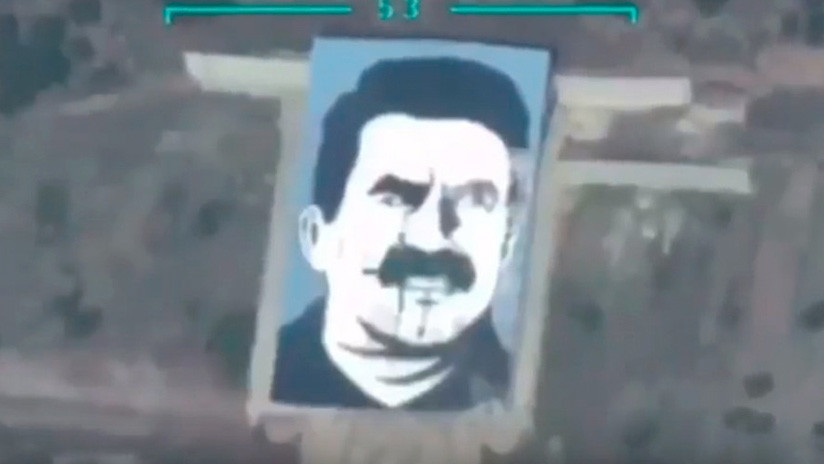 VIDEO: Turquía bombardea retrato gigante del líder kurdo Ocalan cerca de Afrín