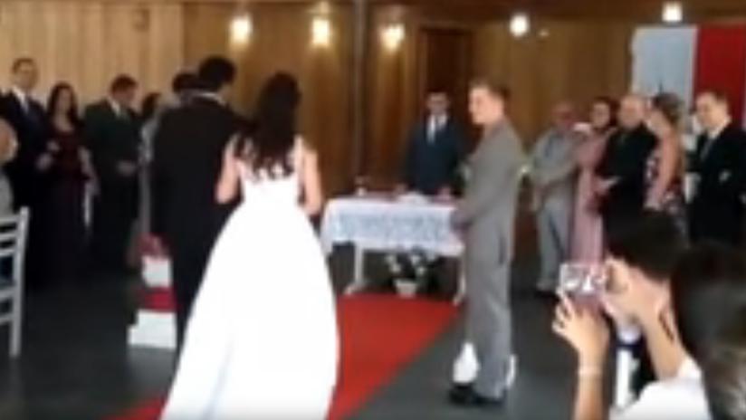 VIDEO: Unos gemidos inconfundibles interrumpen una boda en Brasil