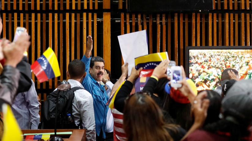 Maduro oficializa su candidatura presidencial a 26 años del nacimiento del chavismo