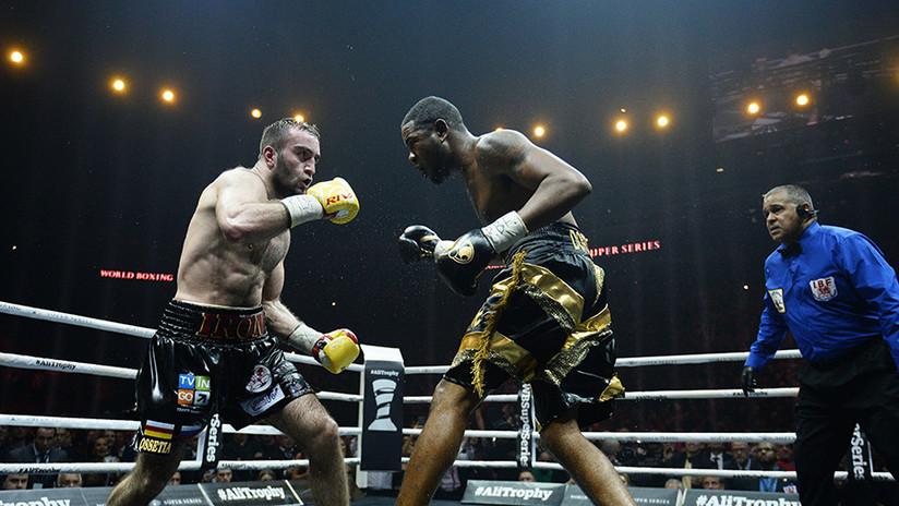El boxeador cubano Dorticós rompe en llanto tras perder el invicto ante el ruso Gassiev (VIDEO)