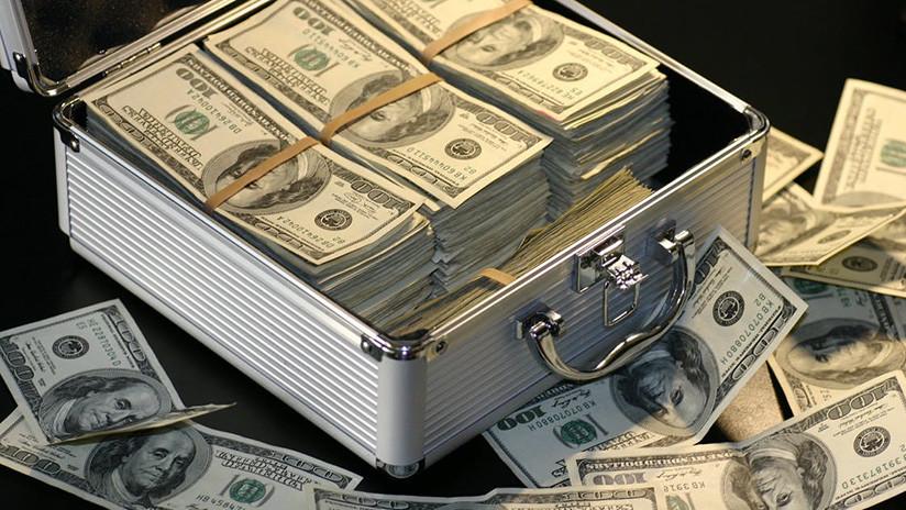 'Yerno de oro': Un hombre estafa a su suegra para comprar a su nombre 52 inmuebles en Miami