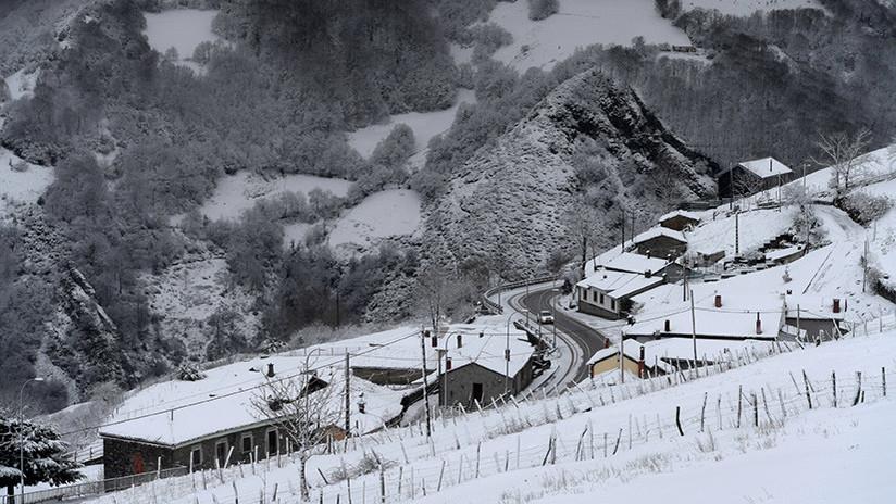 Cancelan 70 vuelos debido a la nevada