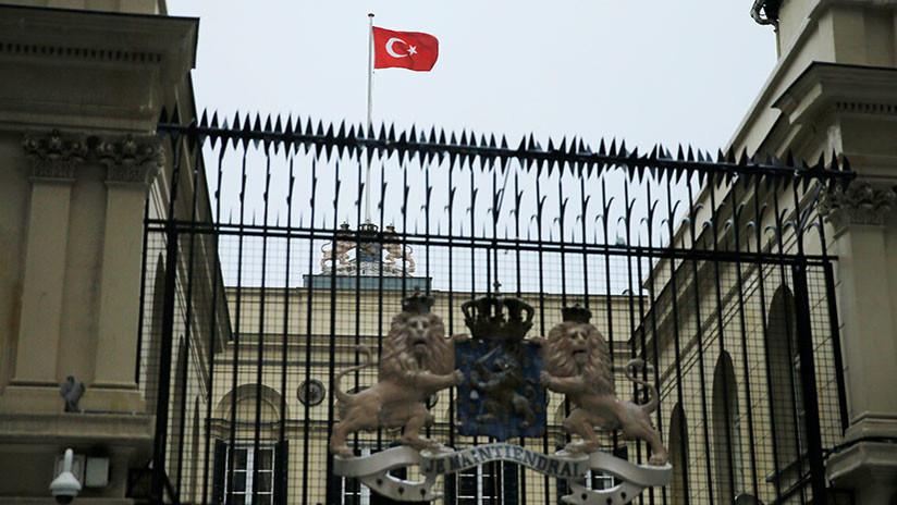 Países Bajos retira a su embajador de Turquía
