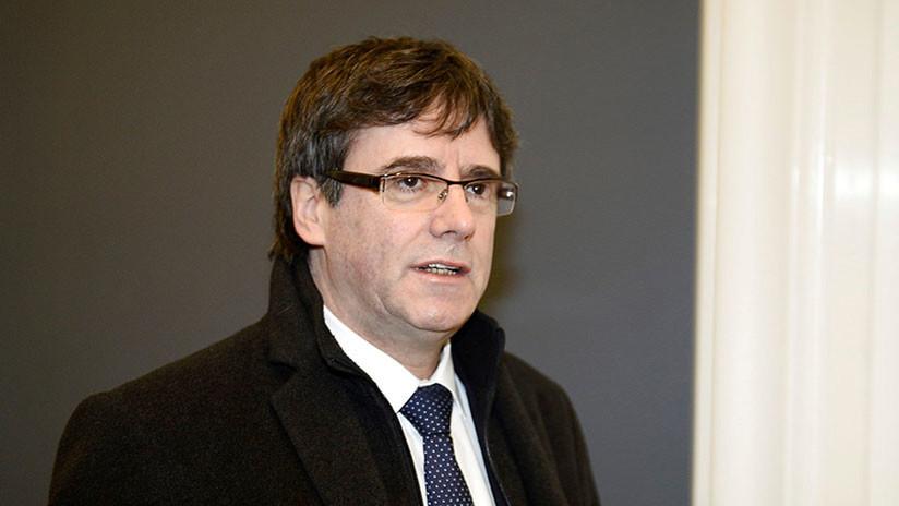 Puigdemont se reúne en Bruselas con los diputados de su partido para tratar su investidura