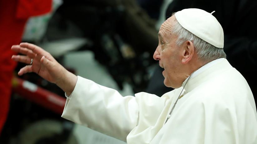 Afirman que el papa conocía y encubrió los abusos sexuales cometidos por sacerdotes en Chile (FOTOS)