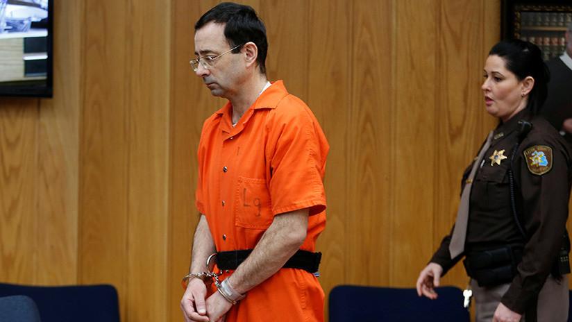 EE.UU.: Condenan a un máximo de 125 años de prisión a Larry Nassar por más de 150 casos de abuso