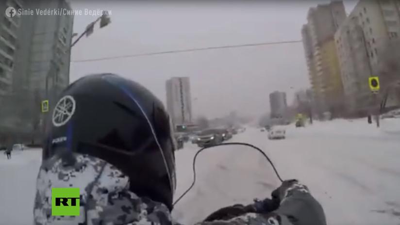 VIDEO: Vertiginoso viaje en motonieve por el Moscú más blanco