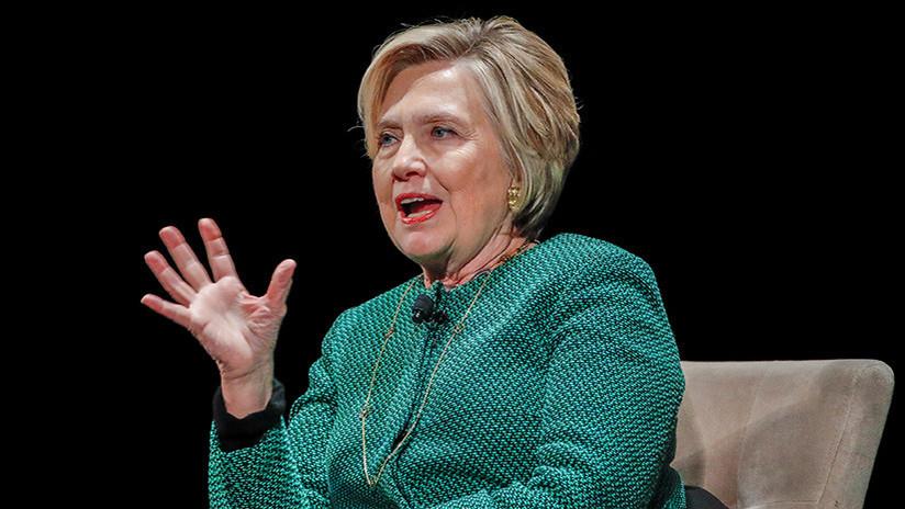 Personas cercanas a Clinton suministraron información al autor del polémico expediente anti-Trump