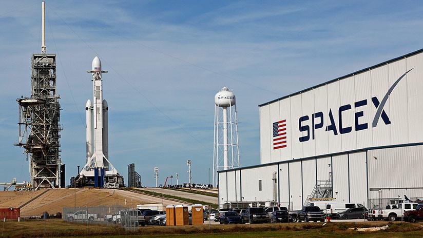 FOTO: El cohete más potente del mundo, listo para despegar rumbo al espacio