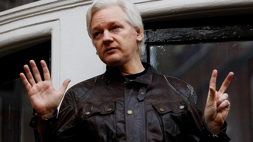 """Assange: El paquete encontrado cerca de la embajada tenía """"una amenaza dirigida a mí"""""""
