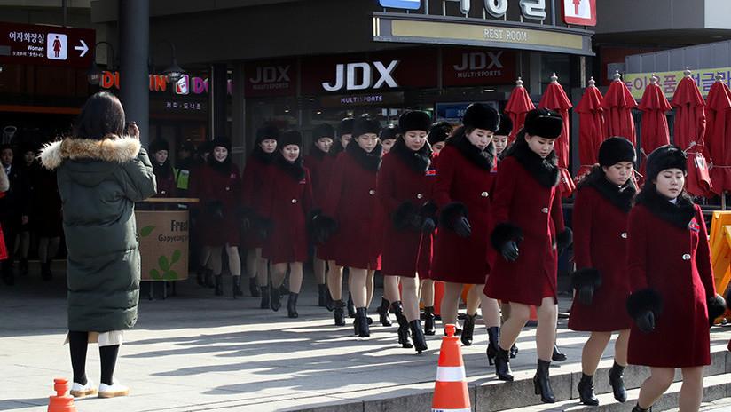 Escuadrón de belleza: Más de 200 animadoras norcoreanas llegan a Corea del Sur (VIDEO, FOTOS)