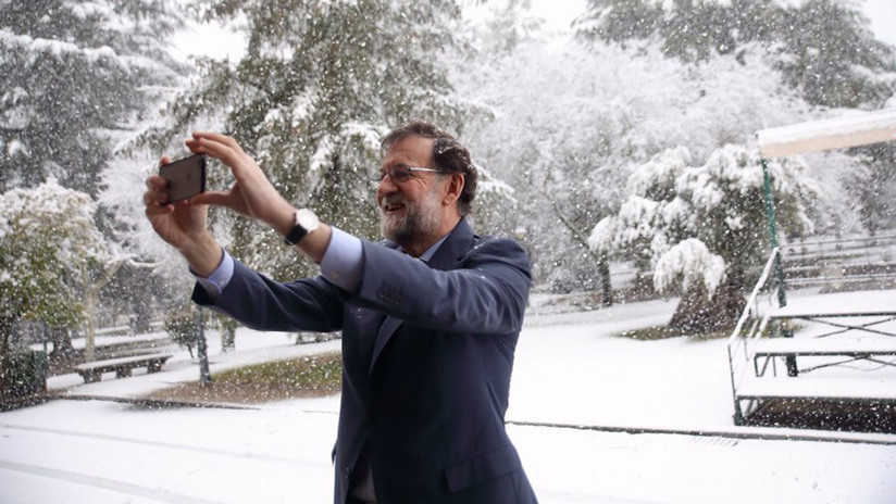 El presidente español Rajoy se hace un selfie en la nieve y la red se inunda de memes
