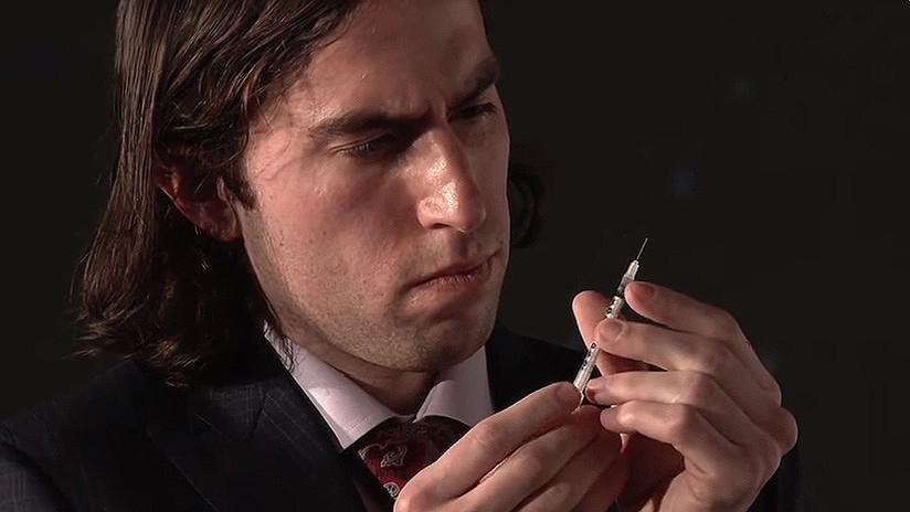 VIDEO: Un 'biohacker' se inyecta una vacuna experimental no probada contra el herpes en vivo