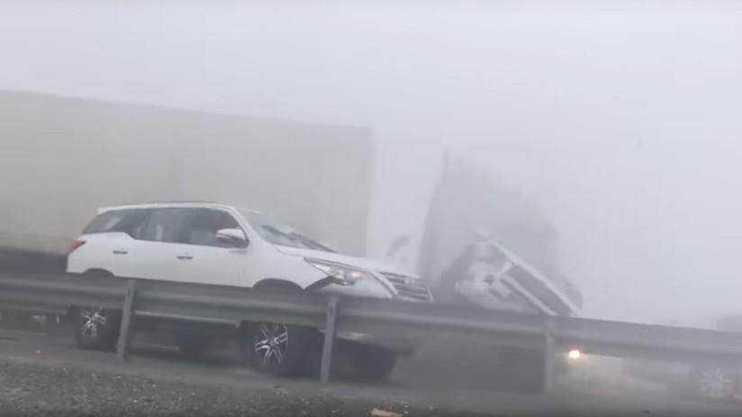 VIDEO: Dramático momento del choque de 44 coches en Abu Dabi