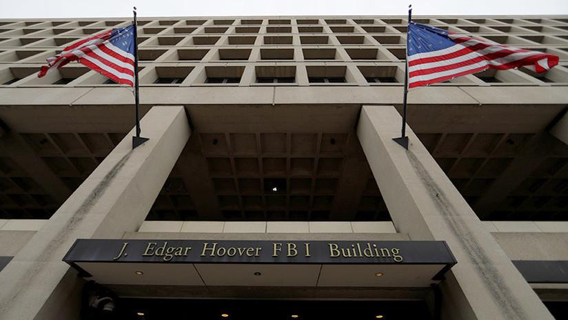 Mensajes del FBI: Obama solicitó noticias sobre la investigación a Clinton