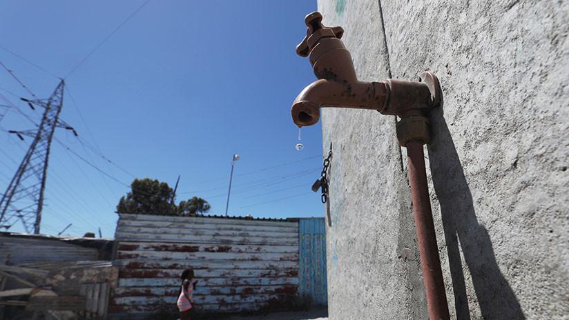El 'Día Cero', al acecho: Cómo la amenaza de quedarse sin agua cambia la vida en Ciudad del Cabo