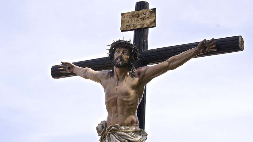 Rebelión en las redes por la multa a un joven que hizo un fotomontaje de Jesucristo