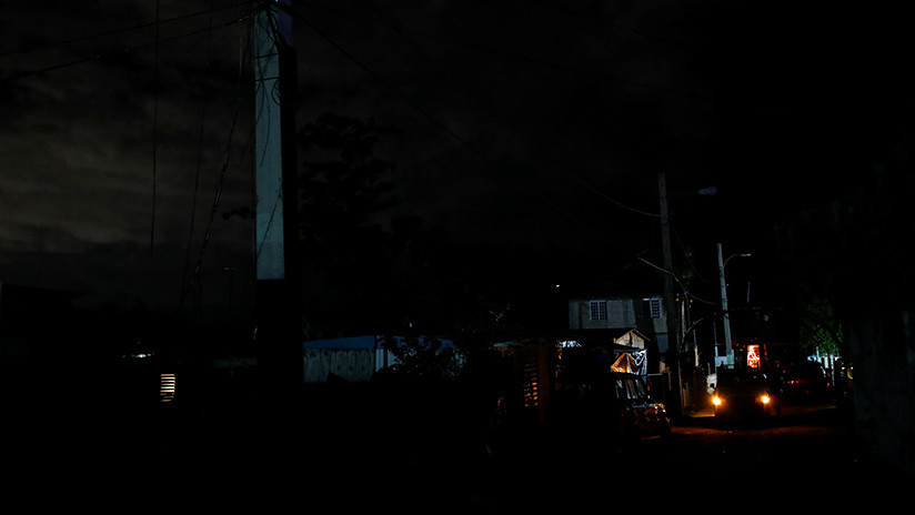 Rpoetan apagón en Puerto Rico por explosión en subestación eléctrica