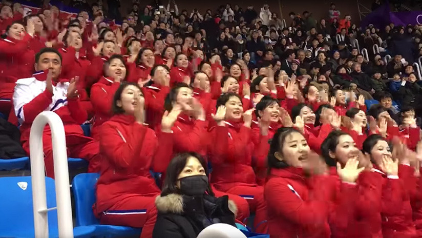 Animadoras de Corea del Norte en Pyeongchang incendian las redes y causan controvertidas reacciones
