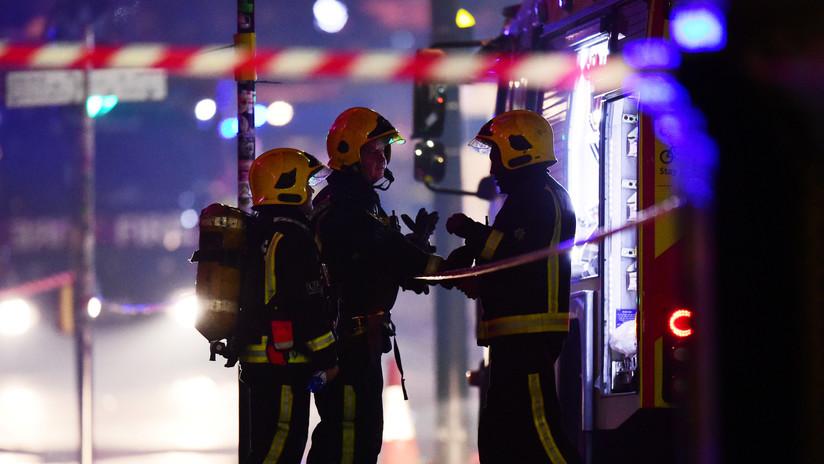 FOTOS: Múltiples edificios en llamas en un polígono industrial en Londres