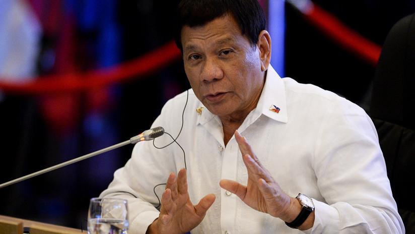 En Filipinas explican la orden de Duterte de disparar a las rebeldes en la vagina