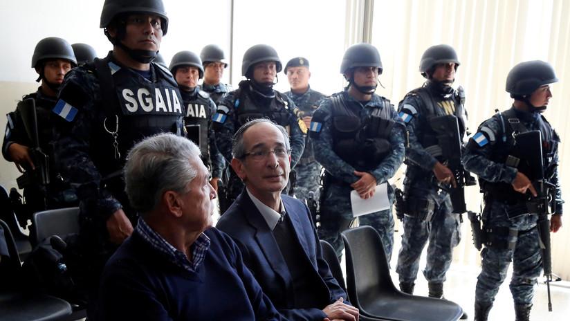 Tribunal de Guatemala ordena el arresto del expresidente Colom y nueve exmiembros de su gobierno