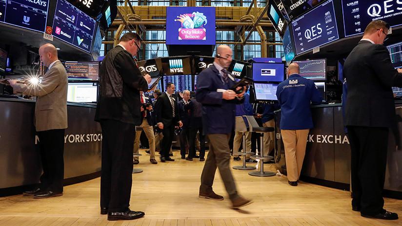 """""""Los mercados se han vuelto locos"""": Experto alerta sobre una crisis similar a la de 2008"""
