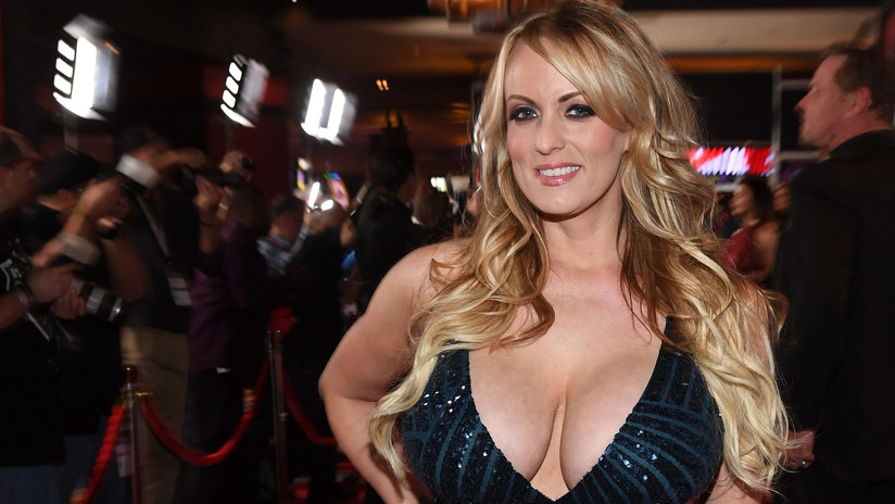 La estrella porno Stormy Daniels dice que es libre de hablar sobre Trump tras confesión del abogado
